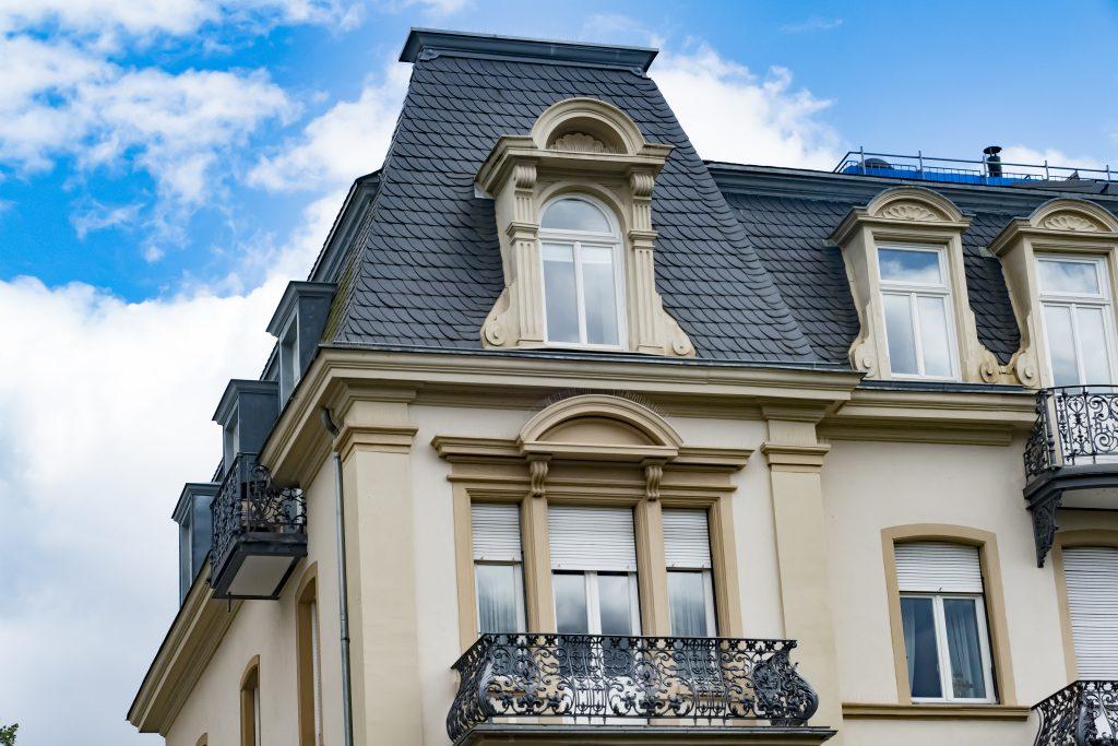 Jugendstil Architektur - Detail von Fassade einer Villa im Jugenstil in Bad Nauheim